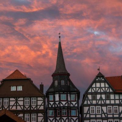 Fritzlarer Marktplatz im Abendhimmel